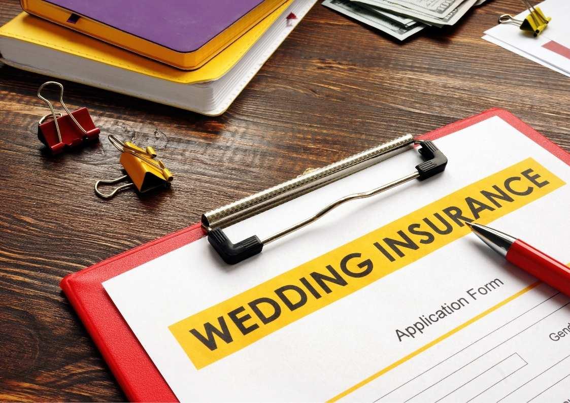 האם זוגות צריכים ביטוח חתונה? המדריך המלא