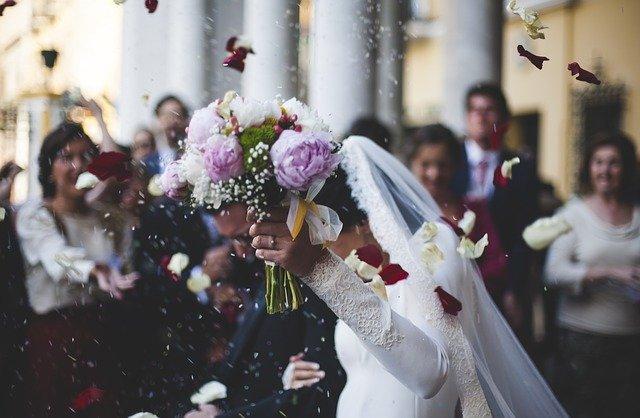 """חתונה אזרחית בחו""""ל: המדריך השלם לבירוקרטיה"""